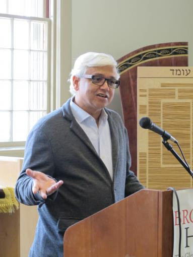 Amitav Ghosh spoke to Brown students about Indians residing in Canton (Guangzhou) during the 18th and 19th centuries.