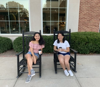 Jenny Lee '21 and Idalmis Lopez '21 at Bonner Congress 2019