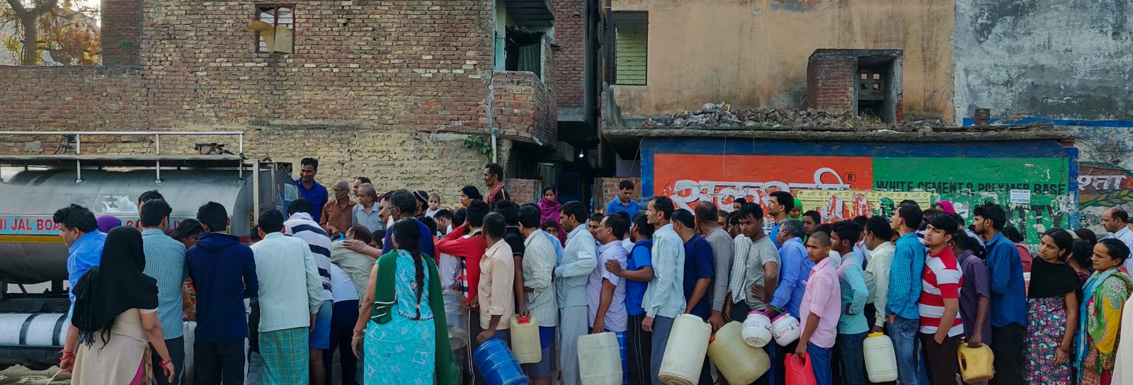 water queue in India